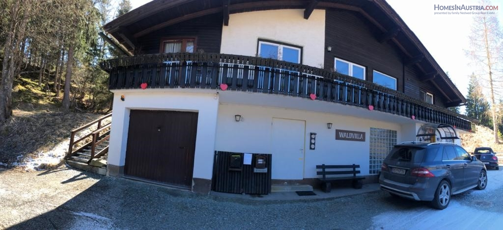 Bad Kleinkircheim, large Home with 4 Apartments, great view, steps to the ski-slopes (MIRELLA)