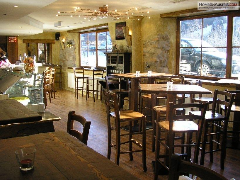 Bad Kleinkirchheim, Carinthia, CAFE/BAR beautiful Italian tavern style