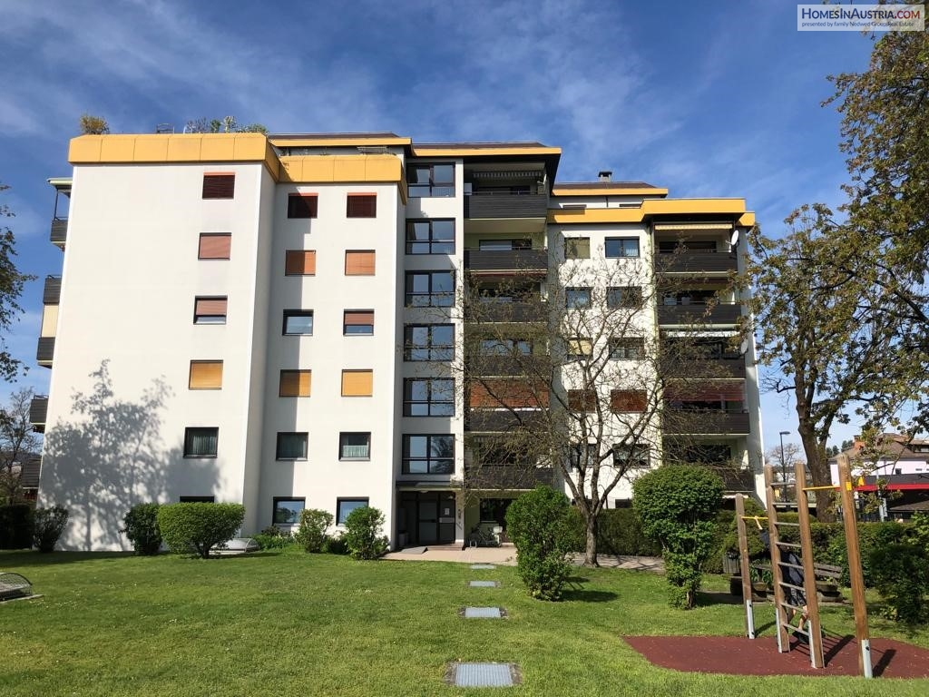 Klagenfurt, Capital of Carinthia, well maintained 90m2 Apartment, 4th floor, in desired location