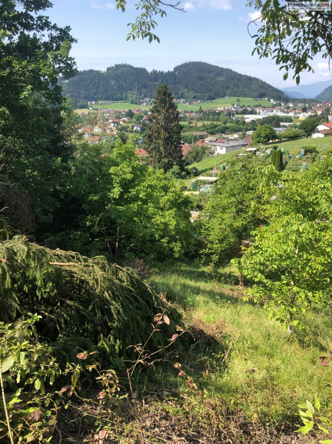 Feldkirchen, Carinthia, Buildable Land 1097m2 south-west exposure, hillside